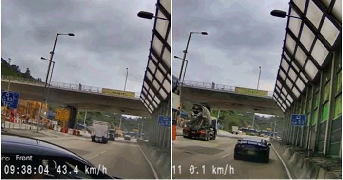 Hình ảnh chiếc siêu xe trong vụ tai nạn và sau đó lái xe cho chiếc Nissan GT-R bỏ chạy