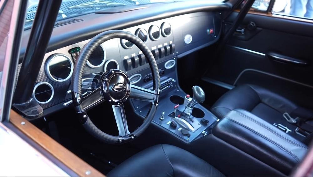 Nội thấtcủachiếcXJ6Series 1 1970 độ