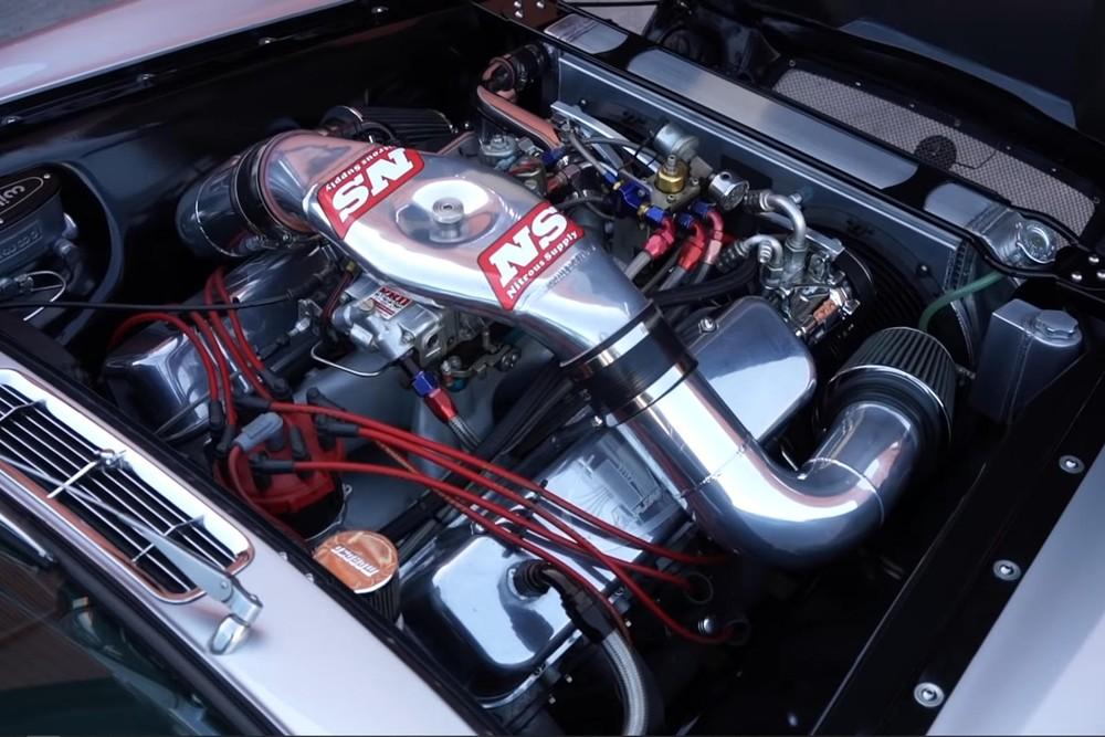 Hệ thống động cơ củachiếcXJ6Series 1 1970 độ