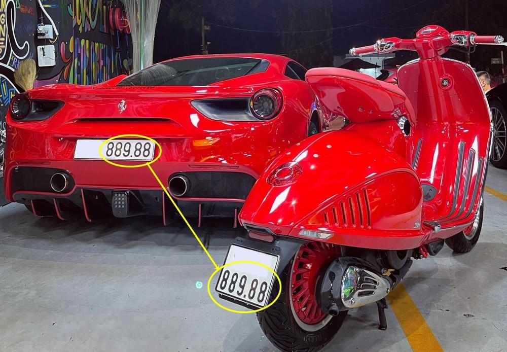 Điểm thú vị tiếp theo và có thể khiến không ít người yêu siêu xe mua sưu tập chính là Ferrari 488 GTB và Vespa 946 Red có chung dãy số 889.88