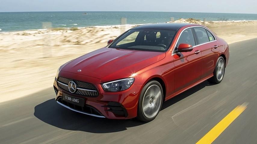 Ngoại thất xe Mercedes-Benz E300 AMG mới nhất