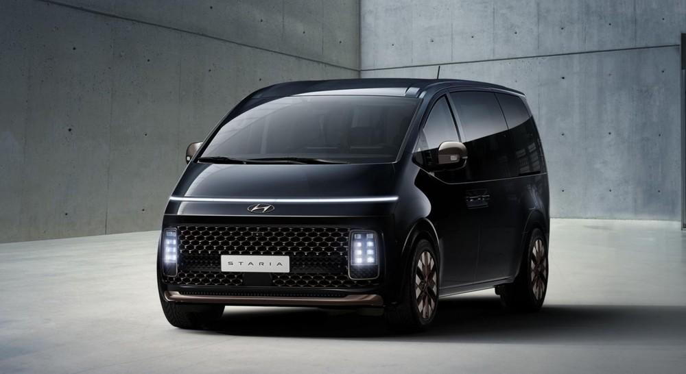 Thiết kế đầu xe của Hyundai Staria 2021 bản cao cấp