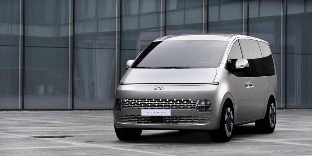 Thiết kế đầu xe của Hyundai Staria 2021 bản cấp thấp