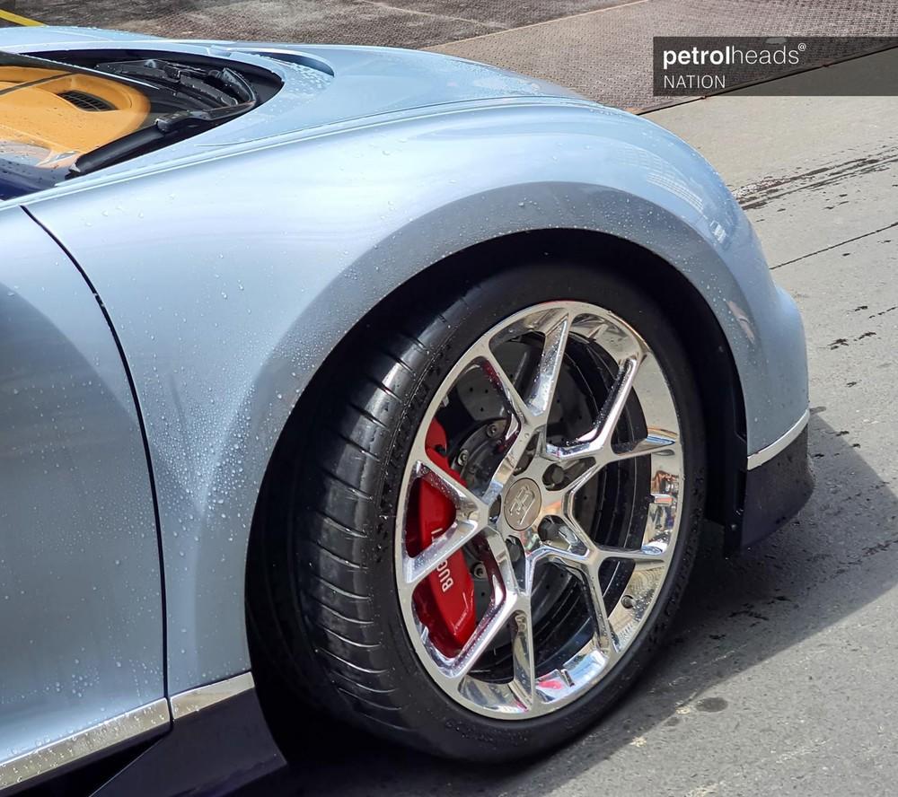 Bộ vành siêu đắt đỏ của Bugatti Chiron mới về Campuchia