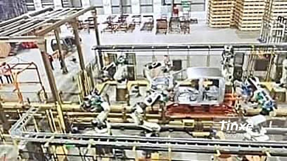 Hình ảnh được cho là dây chuyền lắp ráp Ford Ranger trong nhà máy Hải Dương.