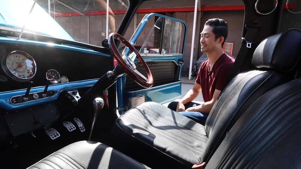 Nội thất củachiếc bán tảiAustin Mini Truck độ