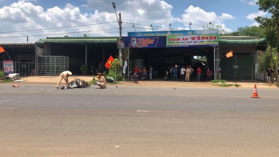 CSGT huyện Bù Đốp có mặt tại hiện trường vụ tai nạn