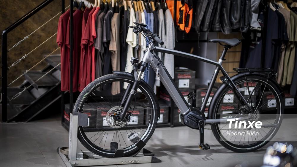 Triumph Trekker GT không phải chiếc xe đạp đầu tiên của Triumph bởi thương hiệu xe Anh Quốc này đã chế tạo xe đạp từ trước năm 1889 và bắt đầu chuyển sang sản xuất xe mô tô từ năm 1902.