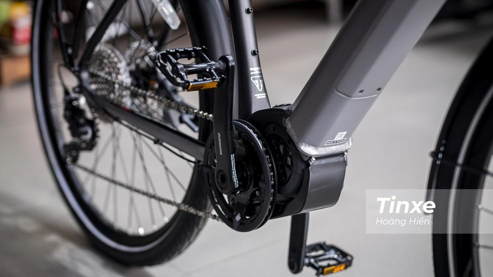 Triumph Trekker GT vẫn trang bị hệ chuyền động dạng nhông xích từ pê-đan đến lốp sau.