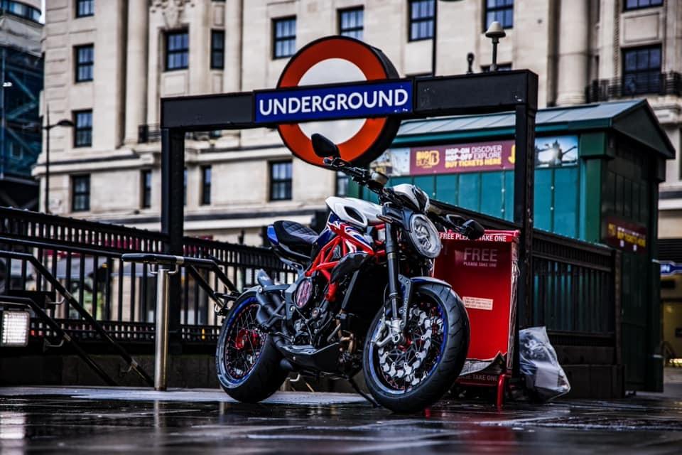 Phiên bản đặc biệt MV Agusta Dragster London Special