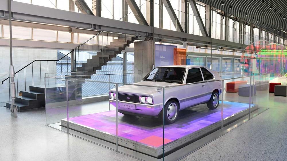 Hyundai đã phục chế xe cổ điển Pony cho một triển lãm ở Busan
