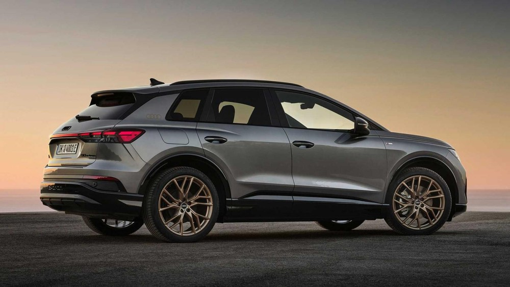 Q4 E-Tron và Q4 Sportback E-Tron 2022 là 2 mẫu xe điện có kích thước nhỏ nhất của Audi hiện nay
