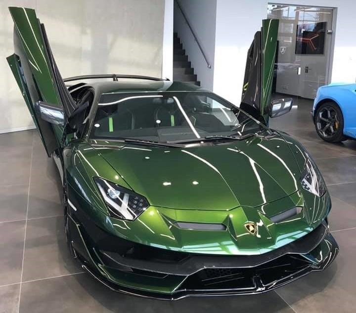 Rộ tin đồn siêu xe giới hạn Lamborghini Aventador SVJ sắp về nước với màu sơn đẹp mắt