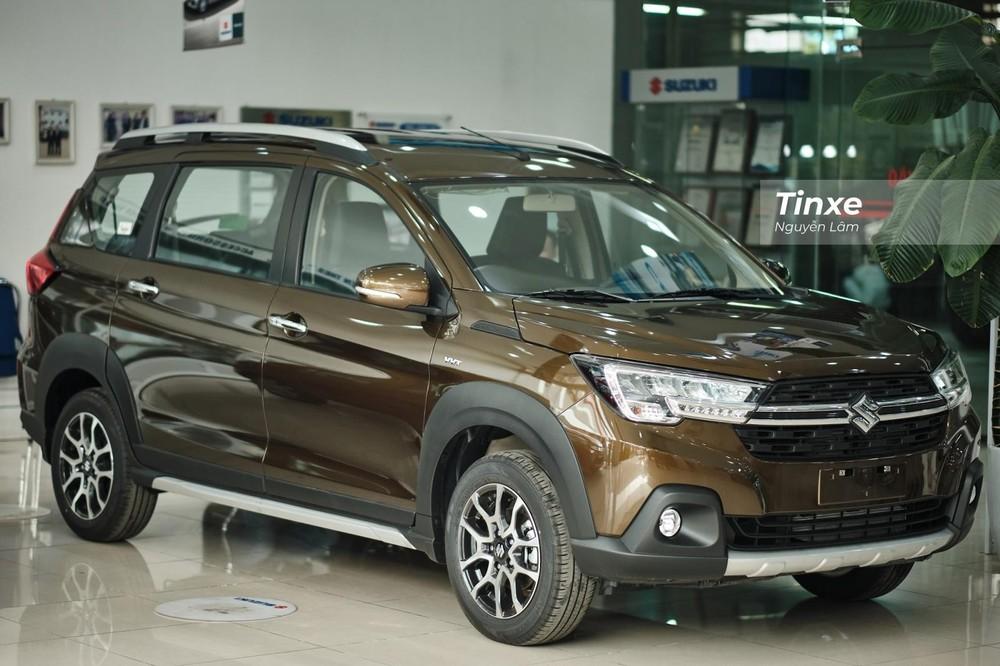 Suzuki XL7 đuổi sát Mitsubishi Xpander trong tháng 3/2021.