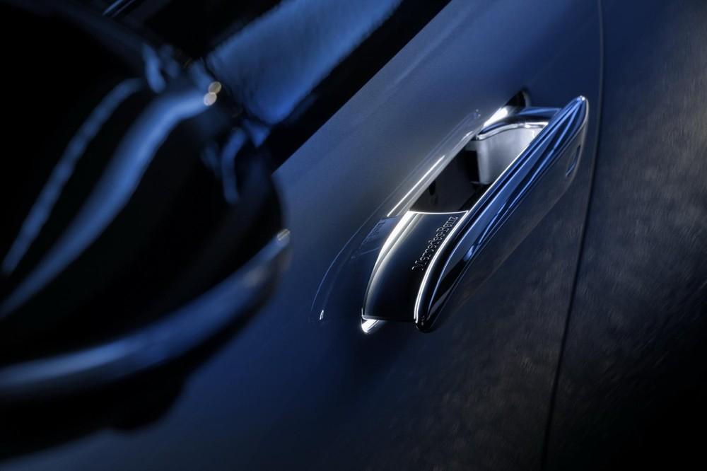 Tay nắm cửa của Mercedes-Benz EQS 2022