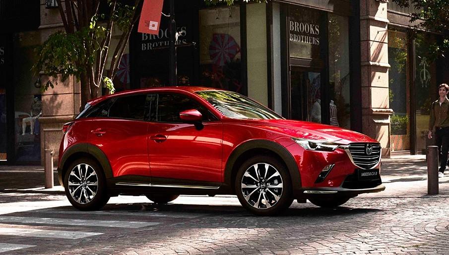 Mazda CX-3 nằm ở phân khúc SUV đô thị cỡ B, cạnh tranh trực tiếp với Kia Seltos hay Hyundai Kona.