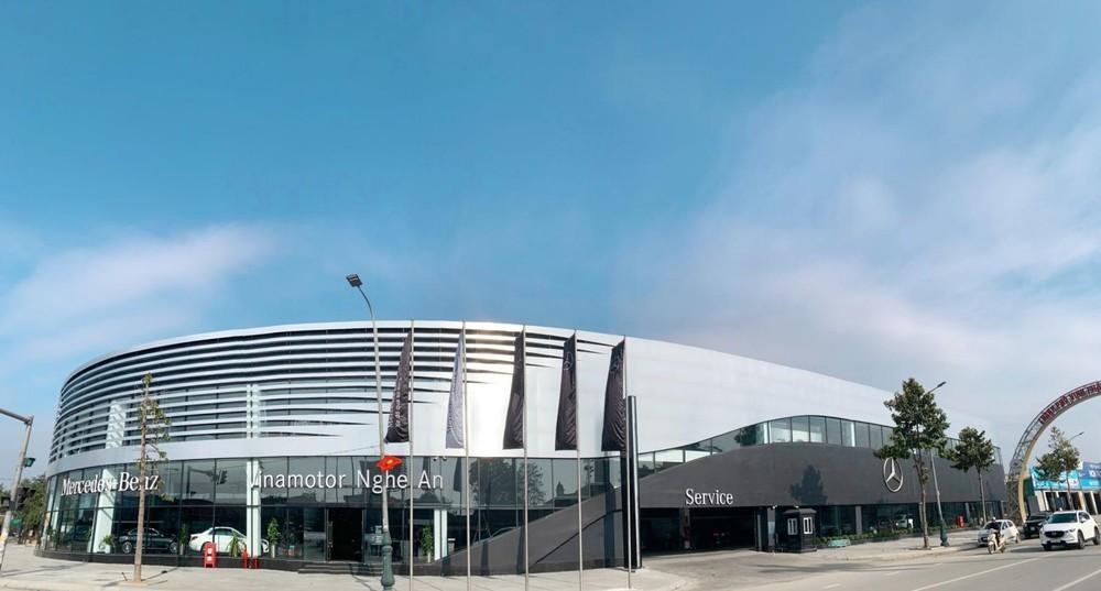 Đại lý Mercedes-Benz Việt Nam mới khai trương tại thành phố Vinh, Nghệ An có quy mô lớn nhất khu vực Bắc và Bắc Trung Bộ.