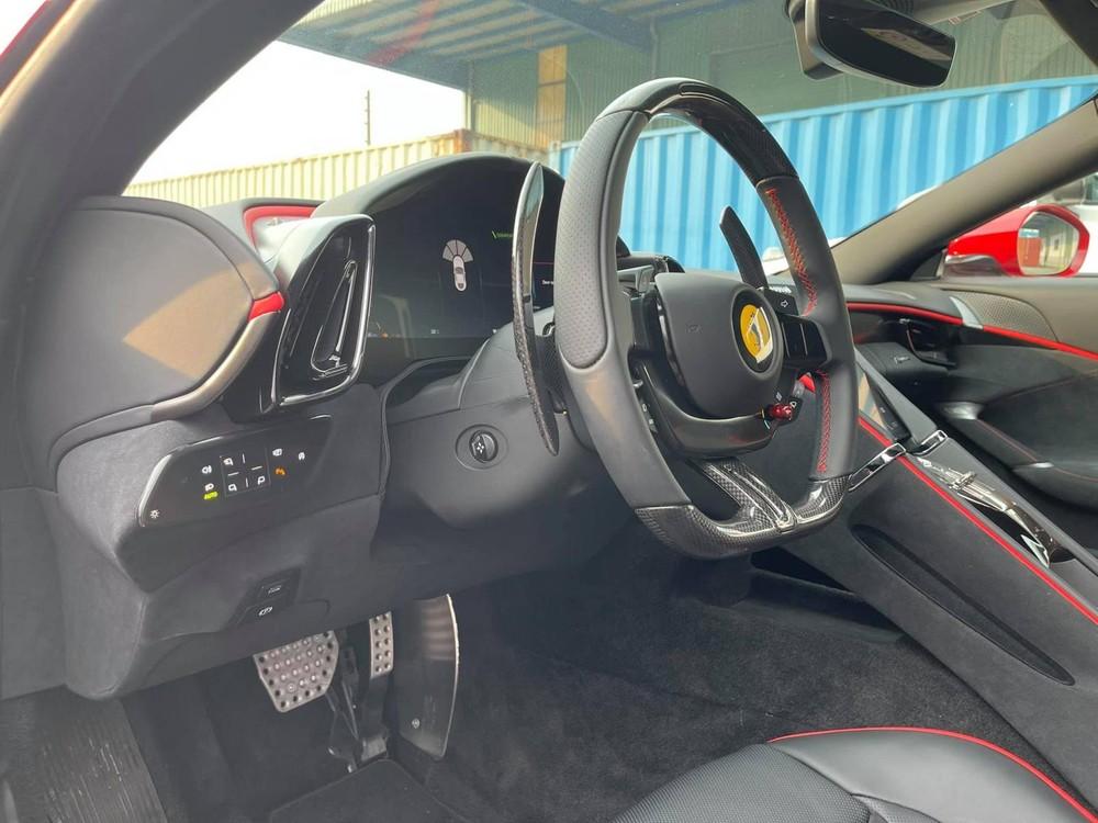 Ferrari Roma có vận tốc tối đa hơn 320 km/h