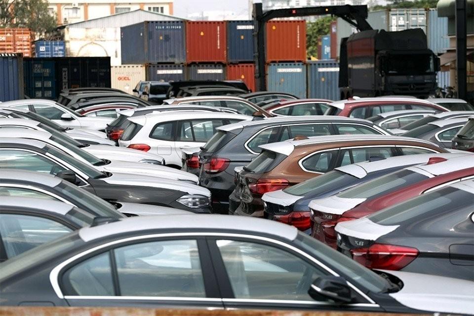 Lượng ô tô nhập khẩu về Việt Nam trong quý 1/2021 tăng mạnh so với cùng kỳ năm ngoái.