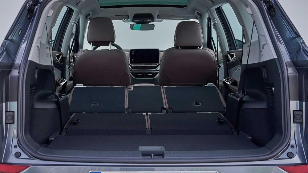 Hai hàng ghế phía sau của Volkswagen ID.6 đều có thể ngả xuống
