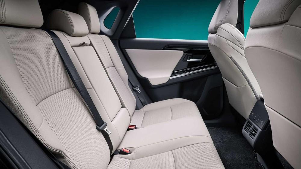 Ghế phía sau của Toyota bZ4X