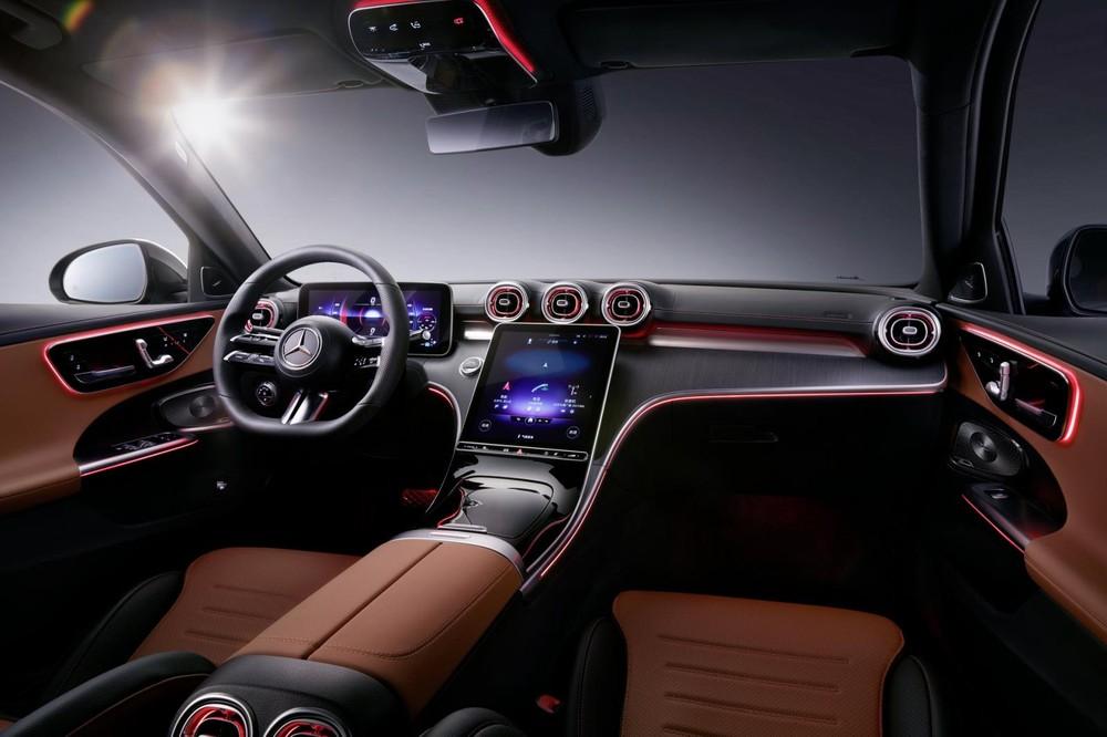 Khoang lái Mercedes-Benz C-Class L
