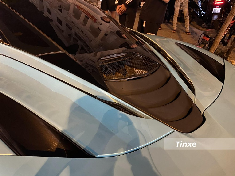 Chiếc siêu xe McLaren 720S được độ lại động cơ V8 của xe