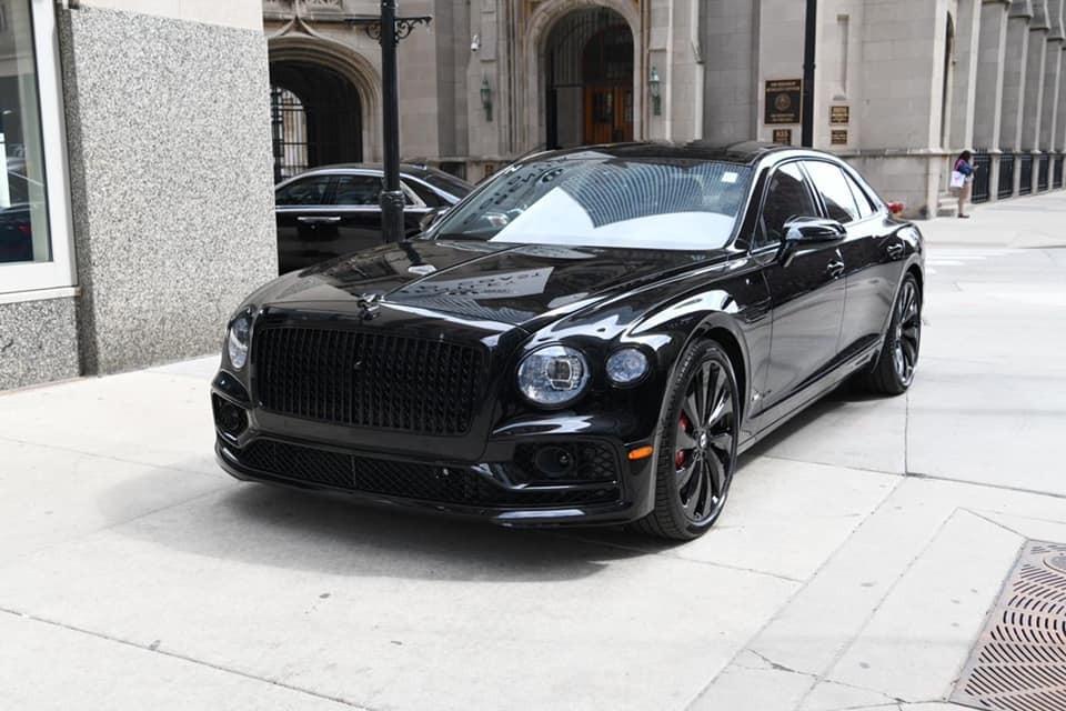 Chân dung của chiếc xe siêu sang Bentley Flying Spur First Edition sắp về đội của Đức Huy