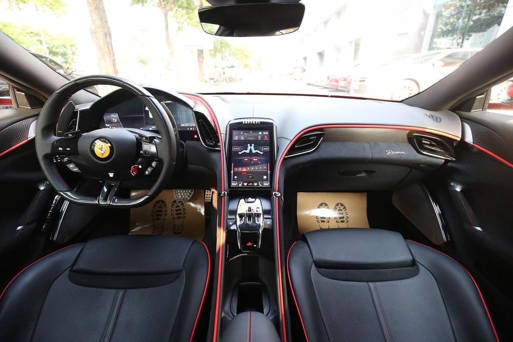 Nội thất siêu xe Ferrari Roma mới về nước