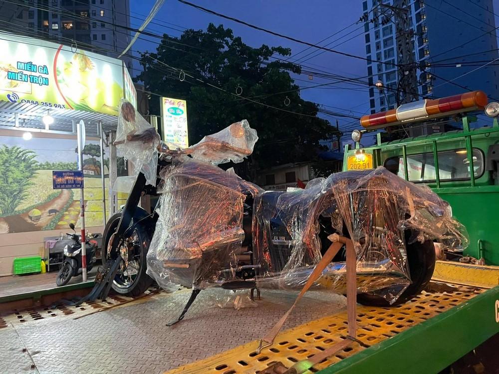 Biker Nha Trang tậu mô tô kiểu dáng cổ điển BMW R18 First Edition có giá hơn 1 tỷ đồng