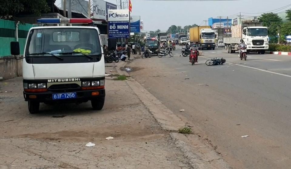 Hiện trường vụ tai nạn giữa xe container và xe máy khiến 1 người đàn ông tử vong tại chỗ