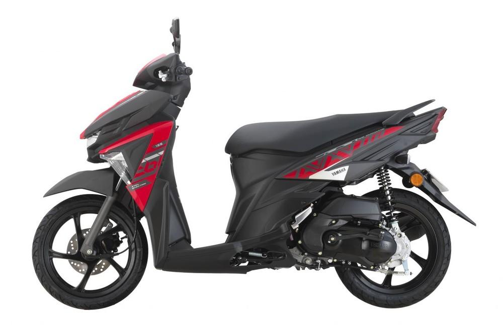 Bộ tem thiết kế mới trên Yamaha Avantiz 2021