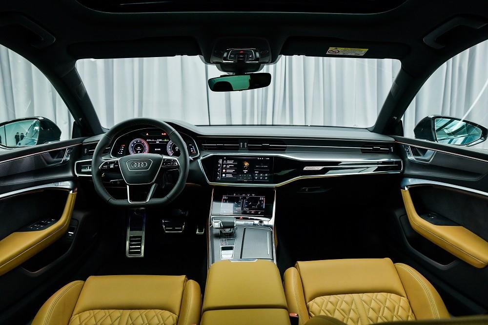 Nội thất bên trong Audi A7L 2021