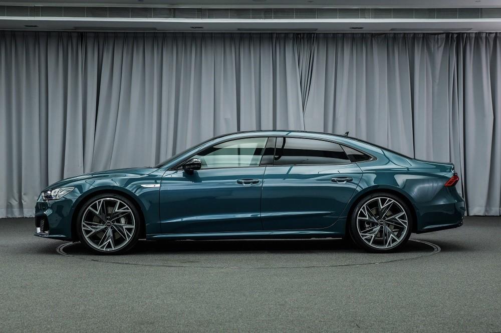 Audi A7L 2021 dài hơn 100 mm so với A7 Sportback