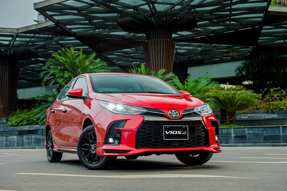Điểm nhấn của Toyota Vios 2021 nằm ở sự bổ sung của phiên bản GR-S với ngoại thất thể thao.