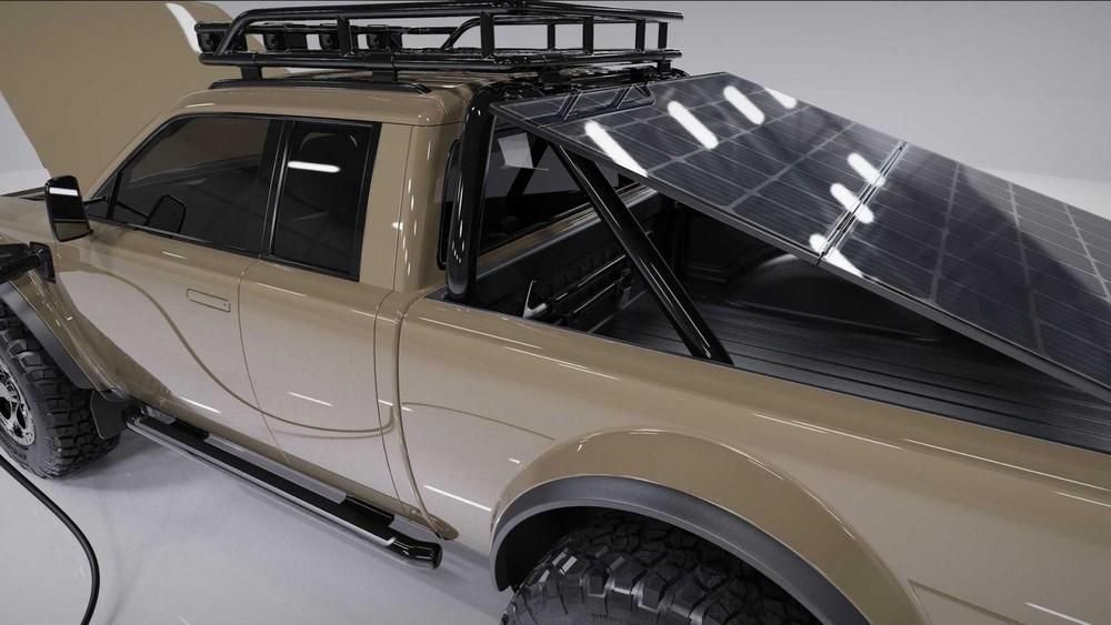 Pin mặt trời gắn trên thùng xe của Alpha Wolf Plus