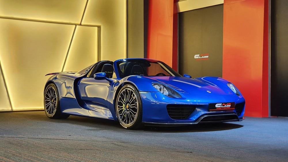 Sắp tới, Việt Nam sẽ có thêm 1 chiếc Porsche 918 Spyder nhưng không rõ xe mang màu gì cũng như trang bị đi kèm