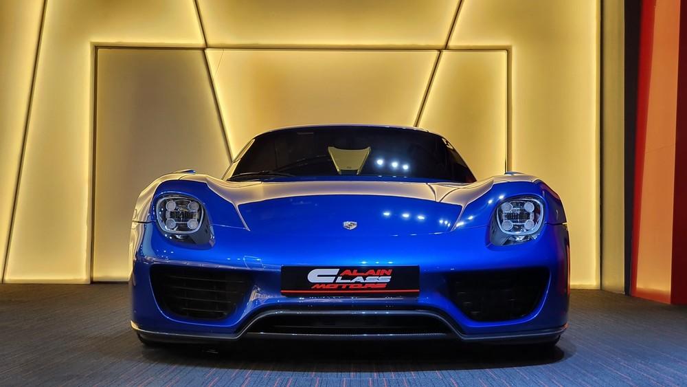 Siêu xe hypercar Porsche 918 Spyder chỉ sản xuất 918 chiếc trên toàn thế giới