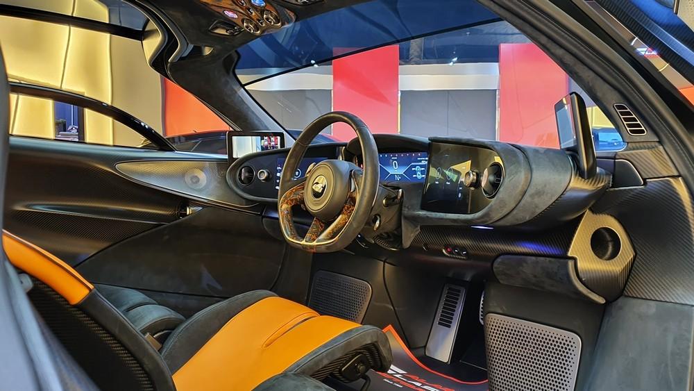 Ghế lái của McLaren Speedtail được đặt chính giữa