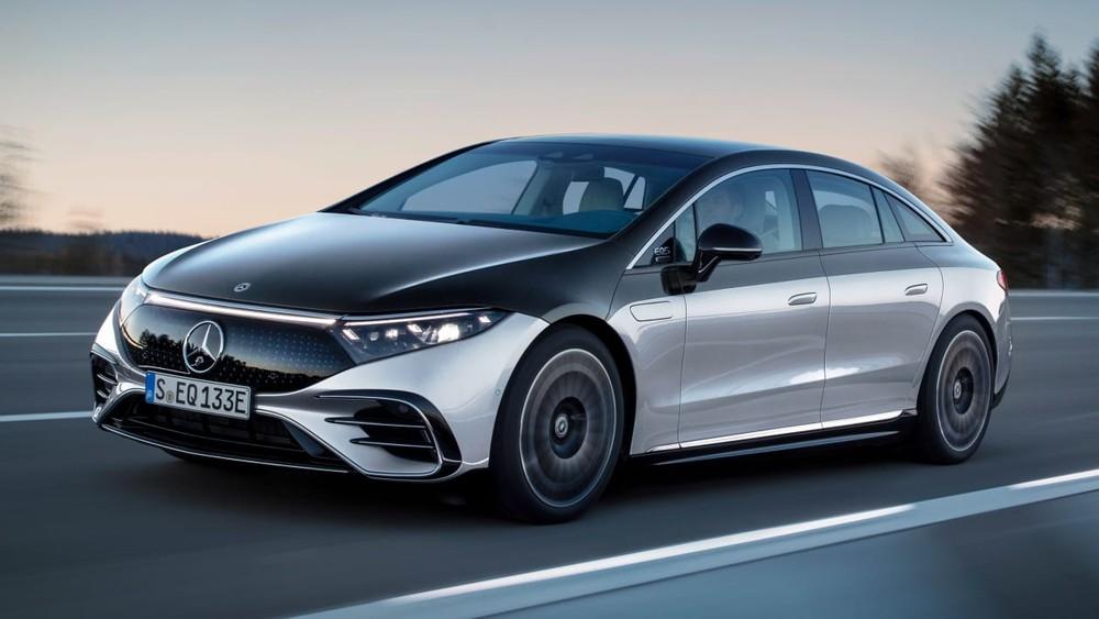 Mercedes-Benz EQS chính là phiên bản thương mại của mẫu concept Vision EQS từng được giới thiệu vào năm 2019.
