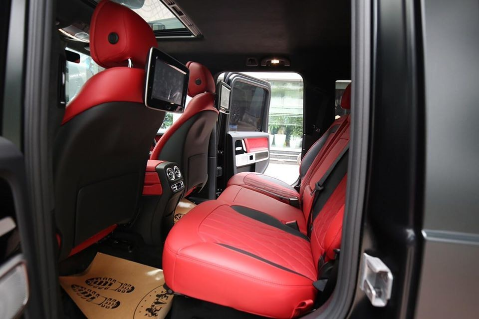 Còn đây là khoang hành khách của xe Mercedes-AMG G63