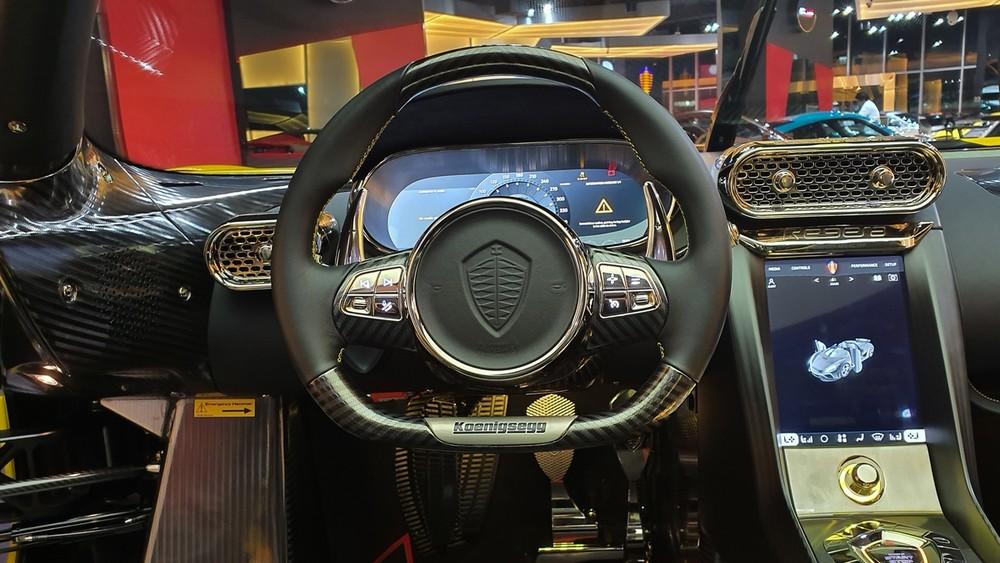Vô lăng của xe Koenigsegg Regera