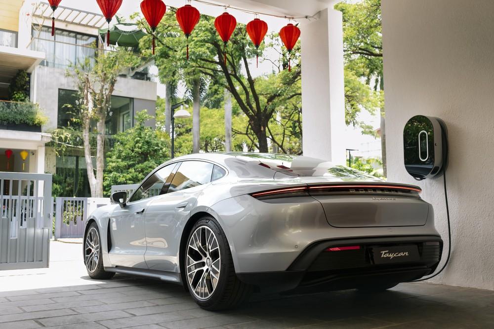 Porsche Taycan có thể trang bị sạc tại nhà.