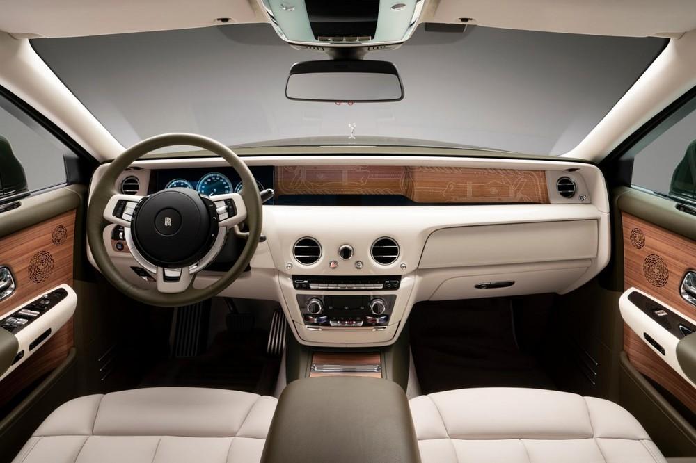 Rolls-Royce Phantom Oribe có nhiều chi tiết ốp gỗ óc chó Royal Walnut