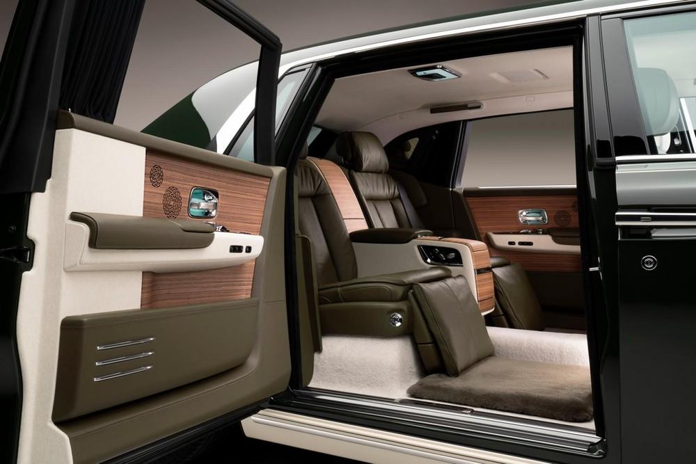 Rolls-Royce Phantom Oribe được trang bị thảm sàn bằng len lông cừu