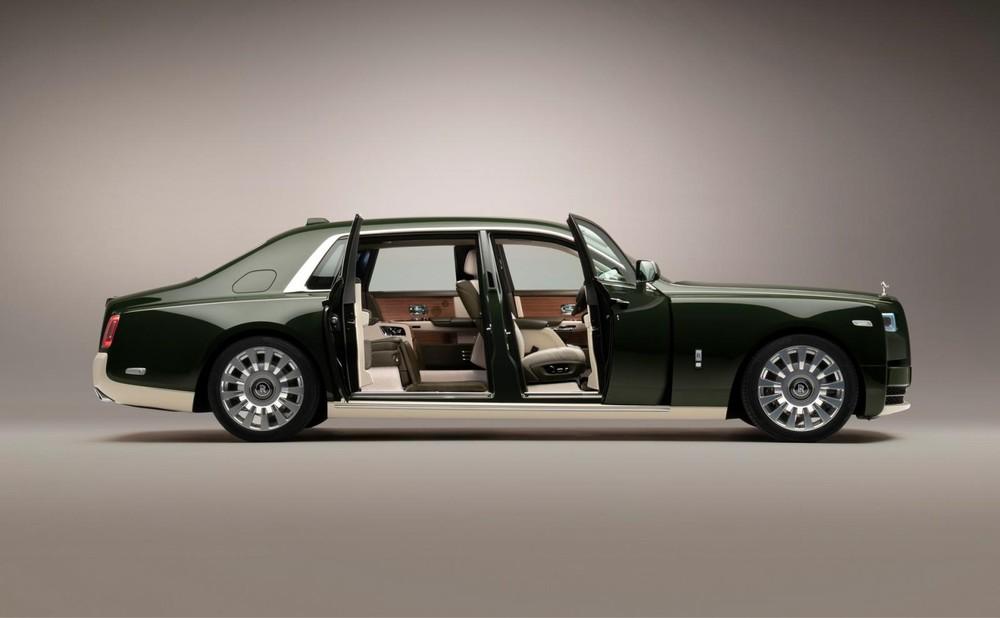 Rolls-Royce Phantom Oribe được trang bị nội thất màu xanh lục và trắng kem
