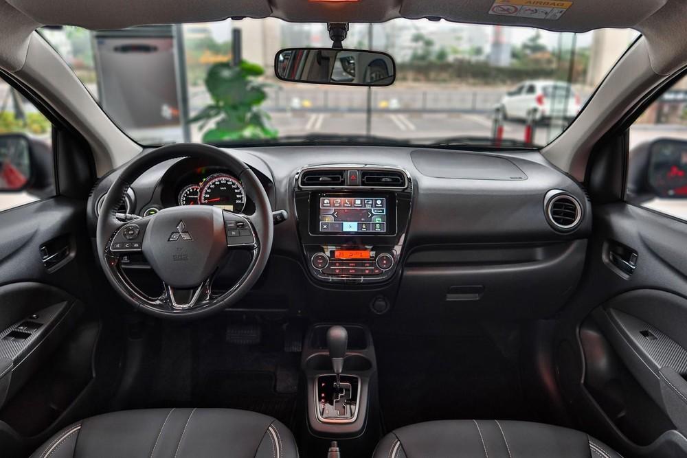 Nội thất của Mitsubishi Attrage CVT Premium.