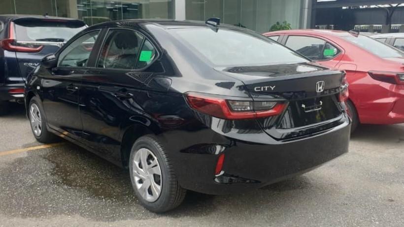Honda City E 2021 màu đen.