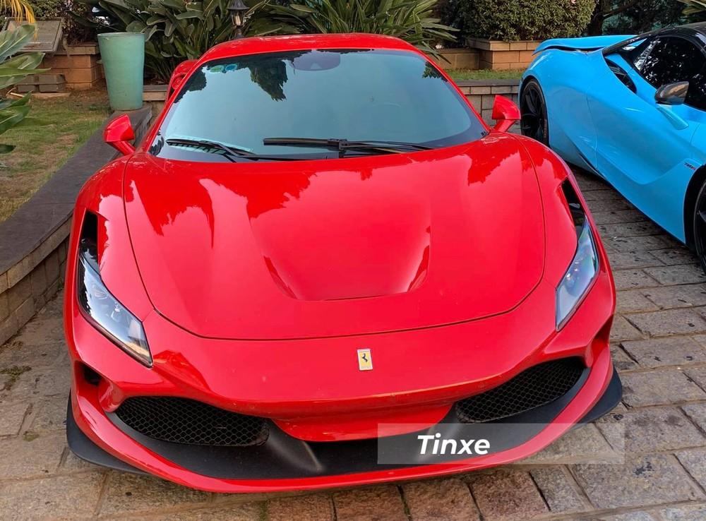 Ferrari F8 Tributo màu đỏ đẹp mắt