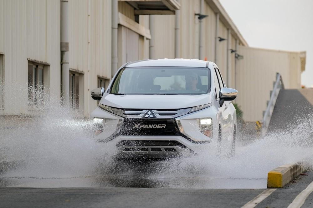 Mitsubishi Xpander hiện đang được phân phối với 2 bản nhập khẩu từ Indonesia và 1 bản lắp ráp trong nước.